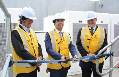 Vector CEO Simon Mackenzie (right) unveiling Asia Pacific's first grid-scale Tesla Powerpack last year.