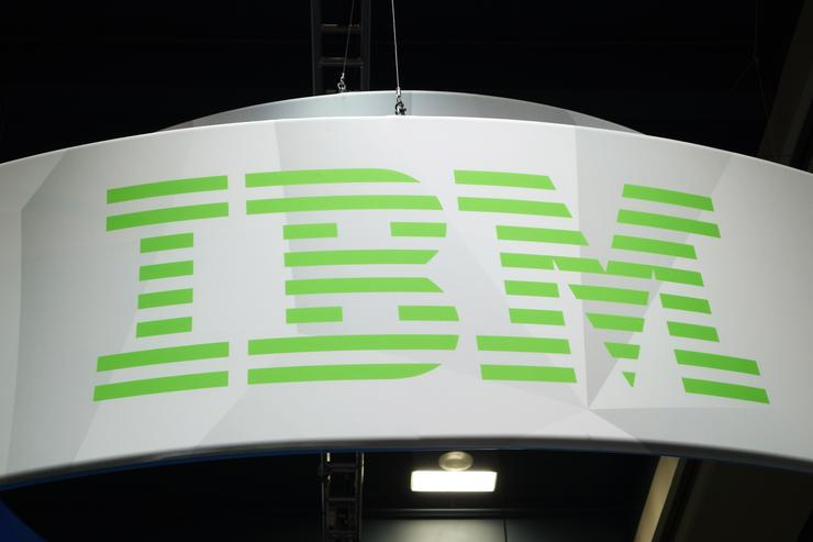 Verizon sells its cloud and managed hosting services to IBM