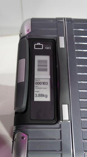 The Bag2Go suitcases have a built-in e-ink display.