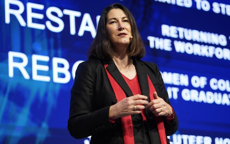 Angela Fox (Dell Technologies)