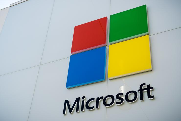 Microsoft permanently closing nearly all of its stores