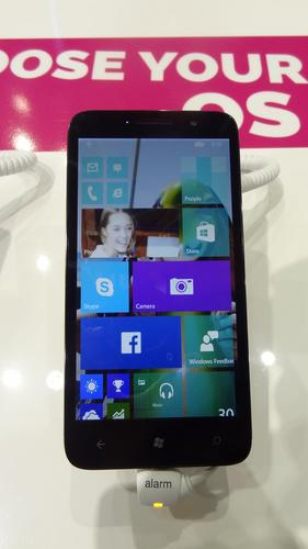 Alcatel One Touch Pixi 3 with Windows 10 technical preview