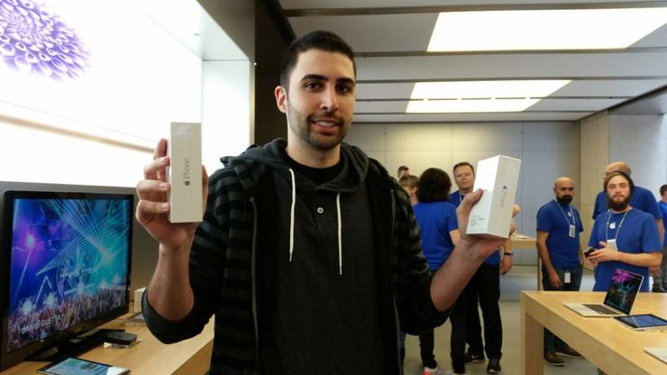 David Rahimi from California was the first person to get the new iPhone 6 and the iPhone 6 Plus at the Apple Sydney Store in George Street.