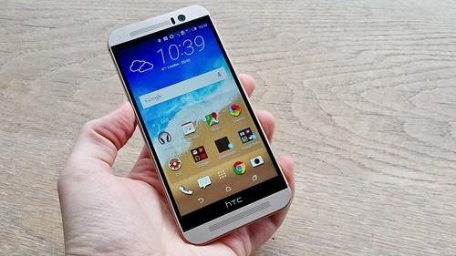 The HTC One M9 looks similar to its predecessor, the One M8.