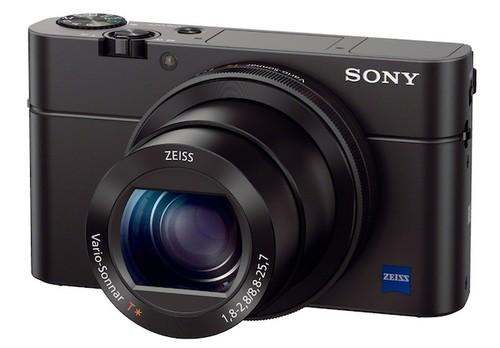 Sony's latest Cyber-shot digital camera, the RX100 III, has a wider-aperture lens and a retractable electronic viewfinder.