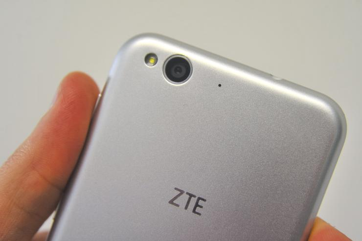 ZTE falls victim in United States trade war as it halts sales