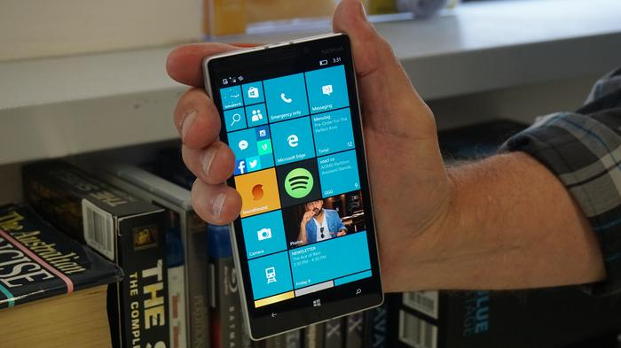 Windows 10 insider preview running on the Nokia Lumia 930